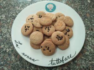 Biscotti nocciole e cocco