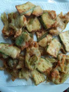 Frittelle di zucchini e fiori di zucca